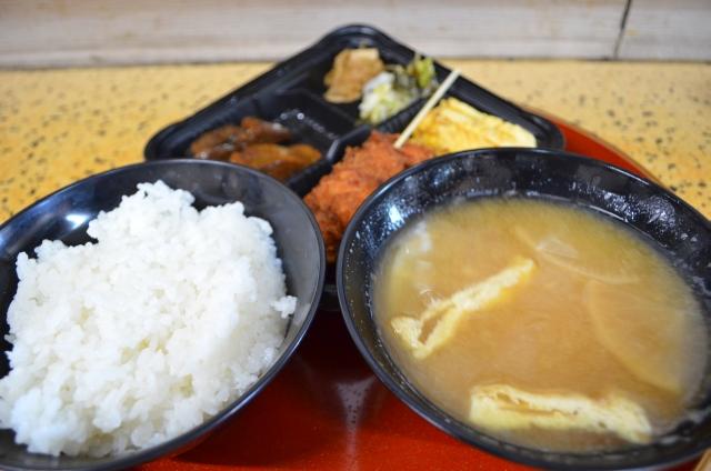きたなシュランなレストランガイド_今井食堂_チキンカツ定食